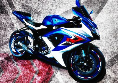 Drawing Suziki motorcycle with watercolor paint